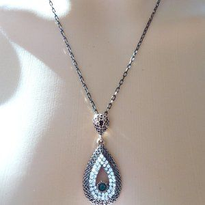 Vintage Jewelry Crystal Water Drop Necklace